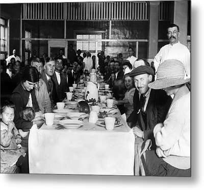 Immigrants Who Are Awaiting Approval Metal Print by Everett