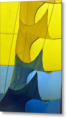 Inside The Balloon Metal Print by Darleen Stry