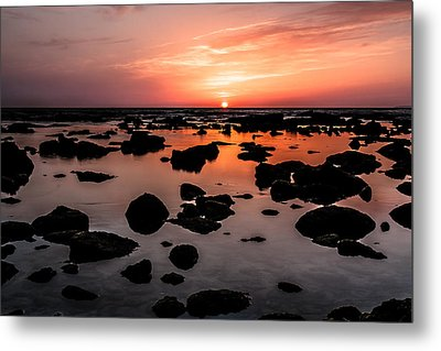Metal Print featuring the photograph Inspired Light by Edgar Laureano