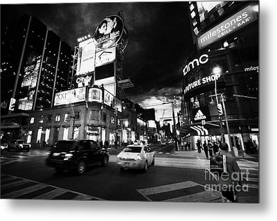 Intersection Of Yonge And Dundas At Night Yonge-dundas Square Toronto Ontario Canada Metal Print by Joe Fox
