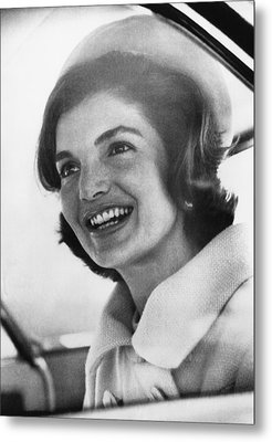 Jacqueline Kennedy, Arriving In New Metal Print by Everett