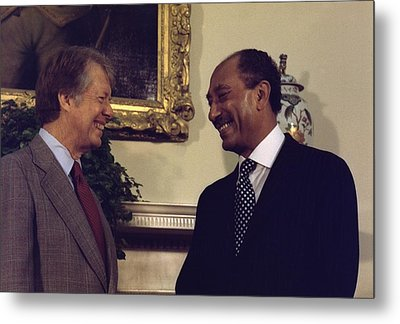 Jimmy Carter With Egyptian President Metal Print by Everett