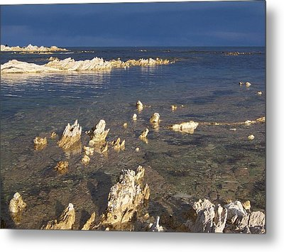 Metal Print featuring the photograph Kaikoura Coast by Peter Mooyman