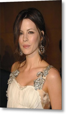 Kate Beckinsale Wearing An Alberta Metal Print by Everett