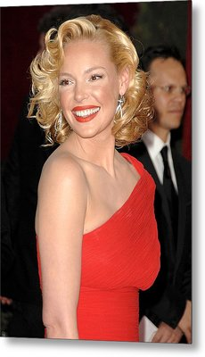 Katherine Heigl At Arrivals For Red Metal Print