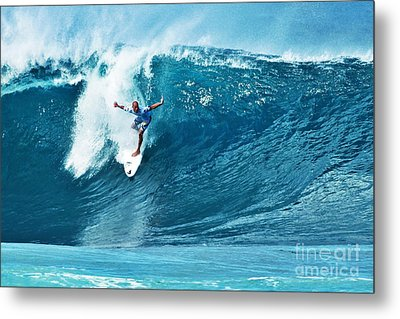 Kelly Slater At Pipeline Masters Contest Metal Print by Paul Topp