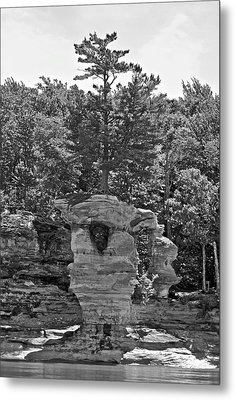 King Of The Hill Pictured Rocks Metal Print by Michael Peychich