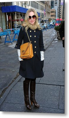 Kristen Bell Out And About For Sun Metal Print by Everett