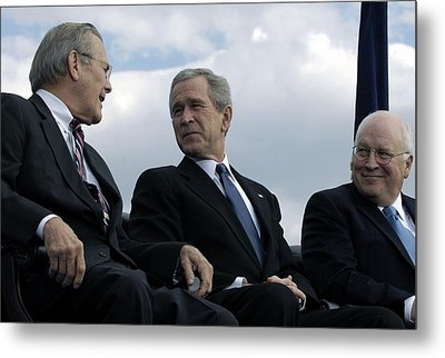 L To R Sec. Of Defense Donald Rumsfeld Metal Print by Everett