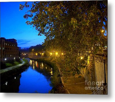 la notte sul Tevere dal Ponte Fabricio Metal Print
