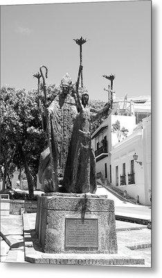La Rogativa Sculpture Old San Juan Puerto Rico Black And White Metal Print by Shawn O'Brien