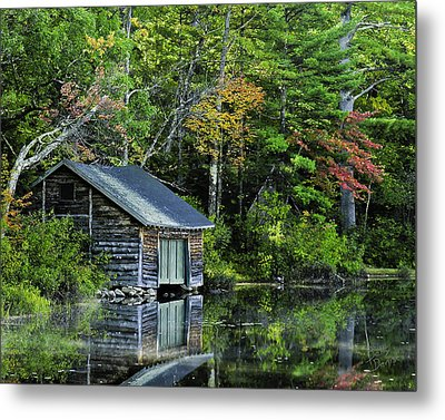 Metal Print featuring the photograph Lake Chocoura Boathouse by Betty Denise