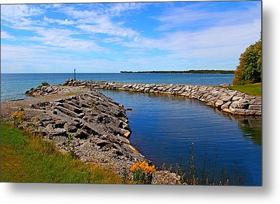 Metal Print featuring the photograph Lakeside Bend by Davandra Cribbie