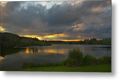 Metal Print featuring the photograph Lakeside Sunset by Cindy Haggerty