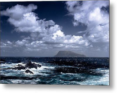 Metal Print featuring the photograph Land In Sight by Edgar Laureano