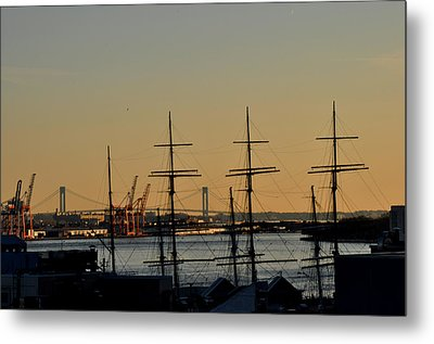 Light Before Sunset From The Brooklyn Bridge Metal Print by Diane Lent