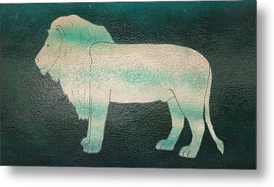 Lion On Vase Metal Print by Gregory Smith