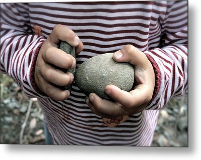 Little Hands Of Stone Metal Print by Lennie Green
