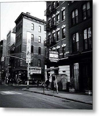 Little Italy - New York City Metal Print by Vivienne Gucwa