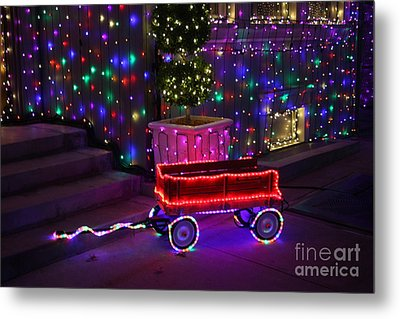 Little Red Wagon Metal Print by Ronnie Glover