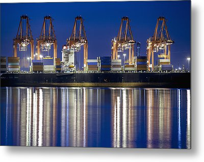 Los Angelos Prot And Reflections Metal Print by Mike Raabe