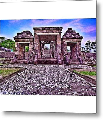 Main Gate The First Of Three Terraces Metal Print