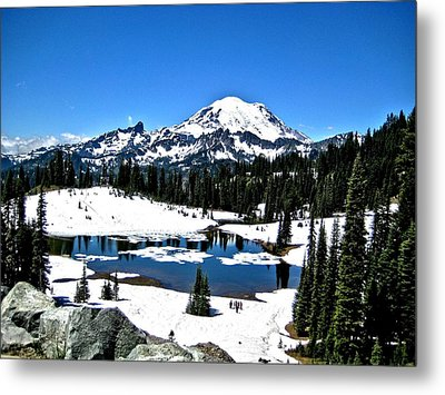 Metal Print featuring the photograph Majestic Rainier by Rob Green