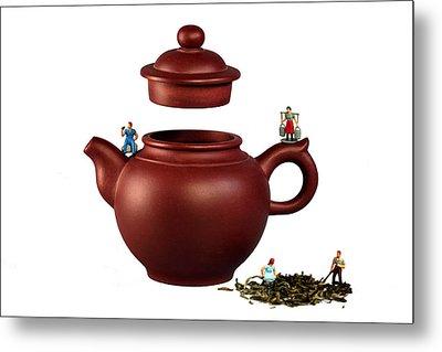 Making Green Tea On A Clay Teapot Metal Print by Paul Ge