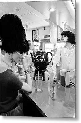 Mannequins At Peggy Sues 50's Diner Metal Print