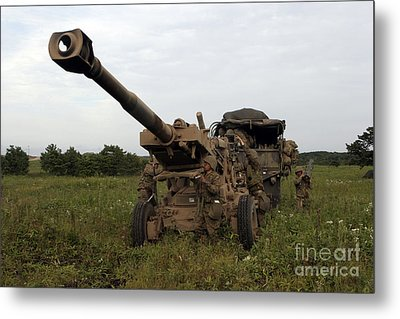 Marines Set Up A M198 155mm Howitzer Metal Print by Stocktrek Images