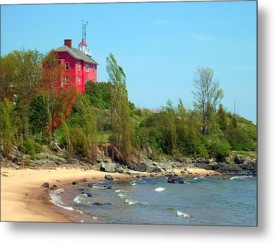 Metal Print featuring the photograph Marquette Harbor Lighthouse by Mark J Seefeldt