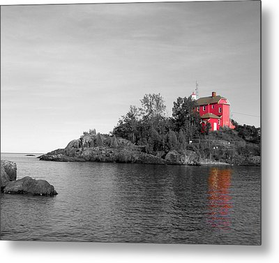 Metal Print featuring the photograph Marquette Harbor Lighthouse Selective Color by Mark J Seefeldt