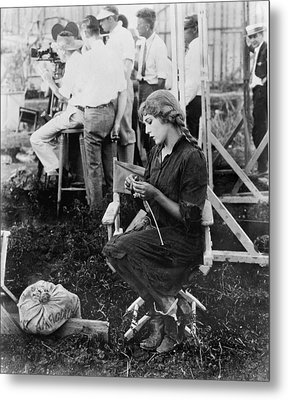 Mary Pickford On A Movie Set Knitting Metal Print by Everett