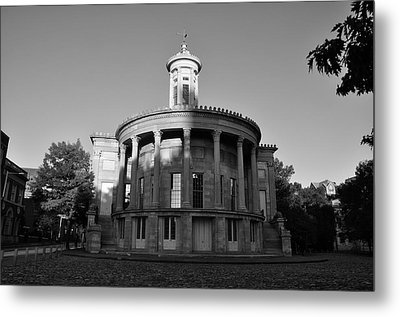 Merchant Exchange Building - Philadelphia In Black And White Metal Print by Bill Cannon