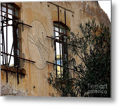 Metal Print featuring the photograph Meridiana Romana by Mariana Costa Weldon