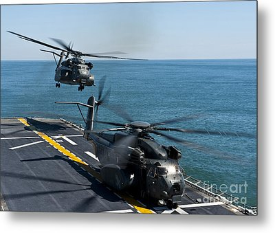 Mh-53e Sea Dragon Helicopters Take Metal Print by Stocktrek Images