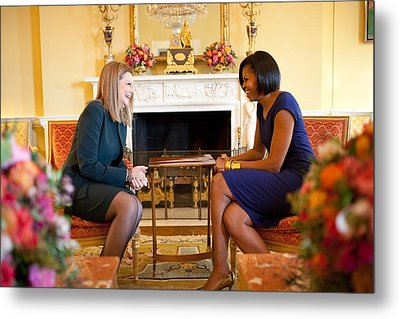Michelle Obama Greets Mrs. Ada Metal Print by Everett