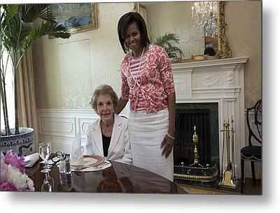 Michelle Obama Visits With Former First Metal Print by Everett