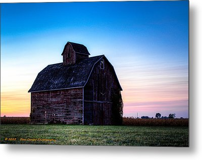 Midwest Sun Down Metal Print by Dan Crosby