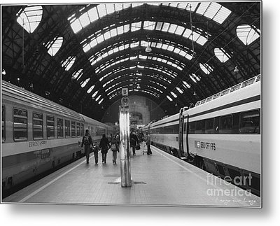 Metal Print featuring the photograph Milano Centrale by Mariana Costa Weldon