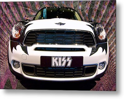 Mini Kiss Metal Print by Paul Barkevich
