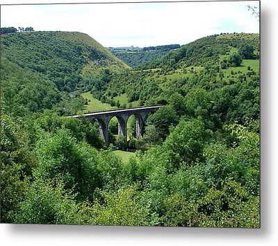Monsal Dale And The Viaduct Metal Print by Rod Johnson