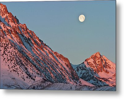 Moonset From The Buttermilks Metal Print by Donald E. Hall