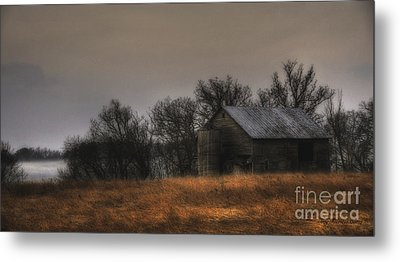 Morning Fog At Jorgens Barn Metal Print by Trey Foerster
