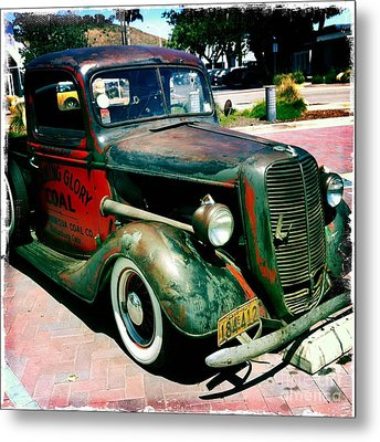 Metal Print featuring the photograph Morning Glory Coal Truck by Nina Prommer