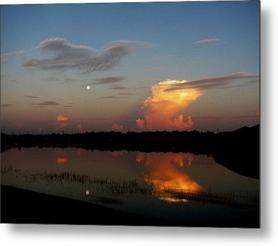 Metal Print featuring the photograph Morning Moon by Bill Lucas