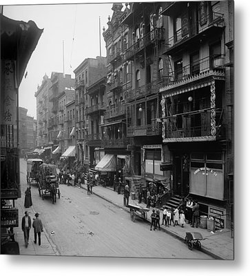 Mott Street In New York Citys Chinatown Metal Print by Everett