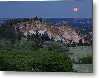 Mount Saint Francis And The Super Moon Metal Print by Andrew Serff