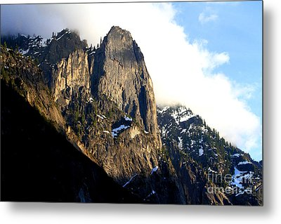 Mountains Of Yosemite . 7d6167 Metal Print by Wingsdomain Art and Photography