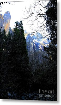 Mountains Of Yosemite . 7d6214 Metal Print by Wingsdomain Art and Photography
